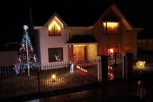 Casas con adornos navide os kuzma slavic 0584 bb21 - Arreglos navidenos para la casa ...