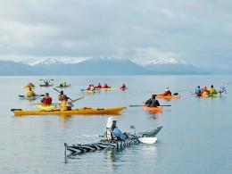 Kayahista iniciaron travesía hacia bahía El Águila