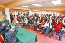 Municipales rechazan propuesta del Gobierno y sigue el paro indefinido