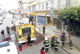 Incendio Arrasó con 3 locales de Bories